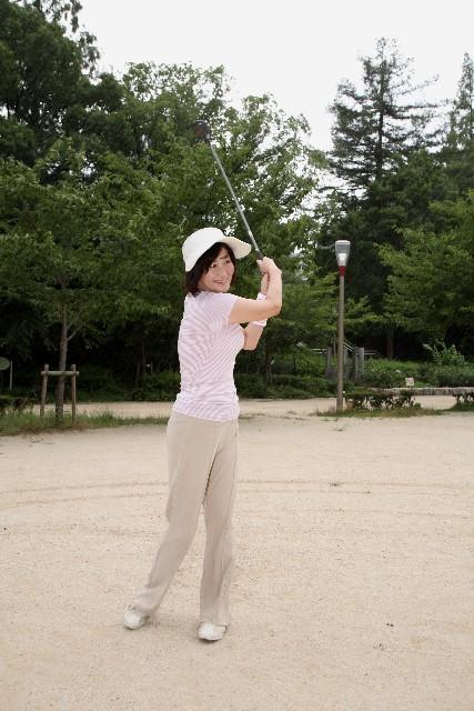 golf lady.jpg